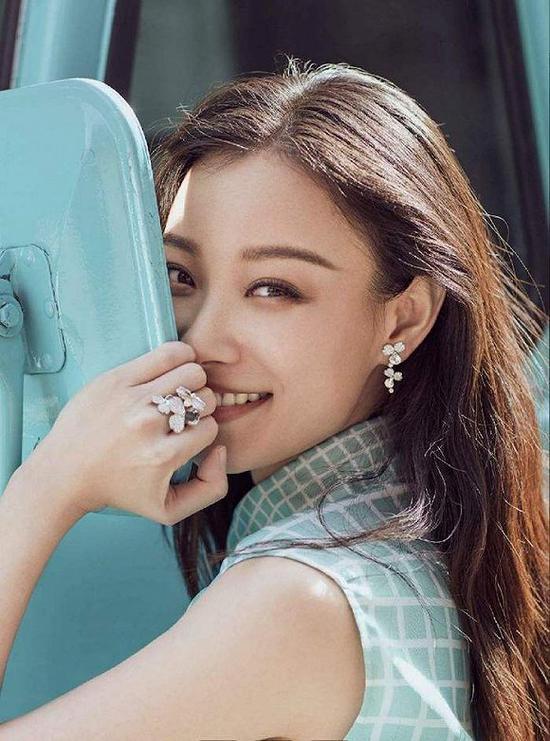 """时尚品牌正抛弃流量明星 """"饶舌女王""""Cardi B首个中弹"""