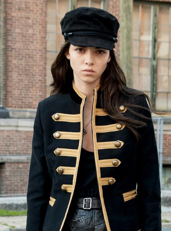 黑色麂皮报童帽 Saint Laurent by Anthony Vaccarello