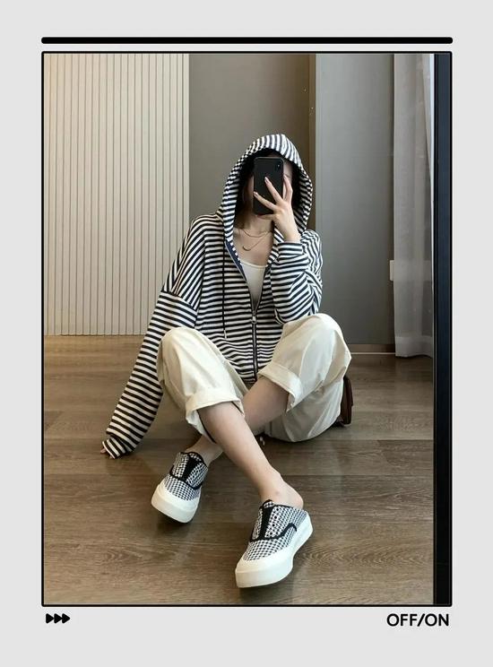 早秋最慵懒舒适的时髦套路=卫衣+裤子,温暖又有女人味