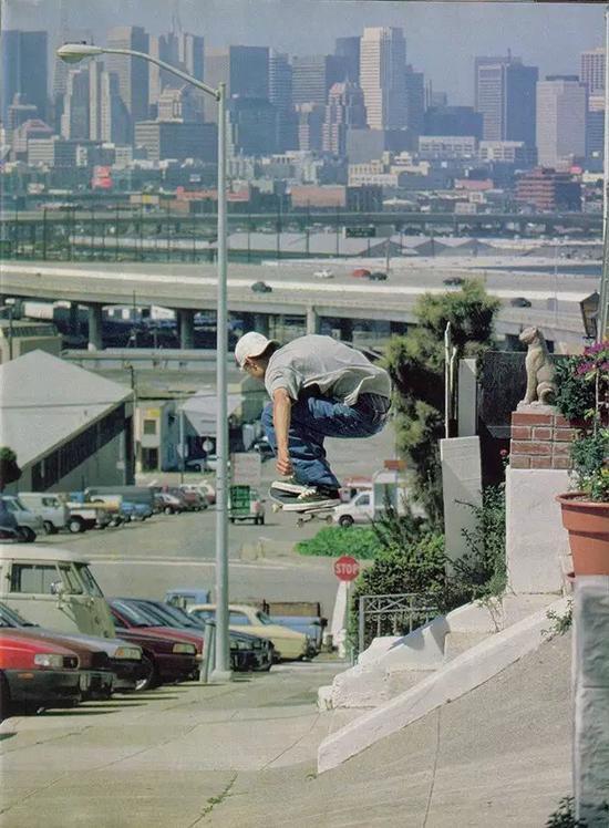 90年代初的滑手 牛仔裤+板鞋 已经少许对潮流有了认知