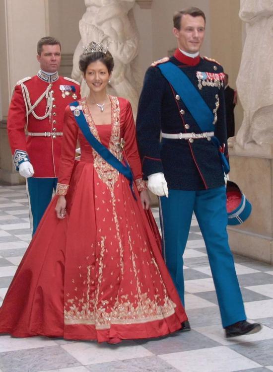 两人一起出席王室活动