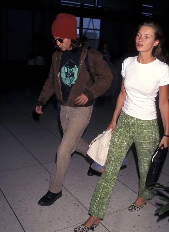 90年代的机场街拍 也太时髦了叭