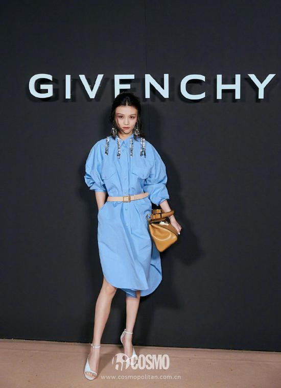 春夏身着Givenchy