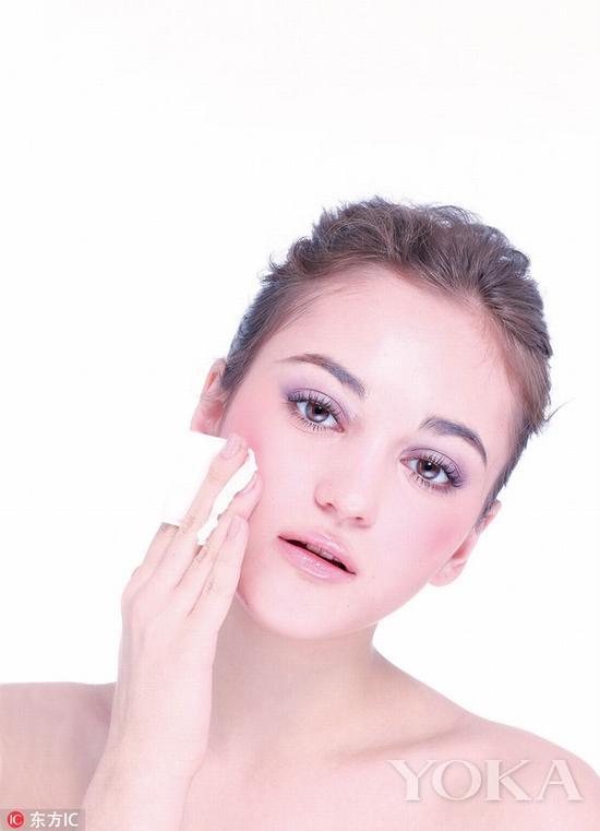 误区3:肌肤美白不需要保湿