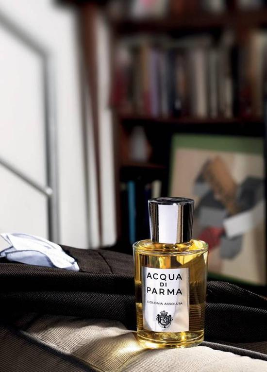 相信我,对第一次喷香水的直男来说,注意这5大误区绝对足够了。