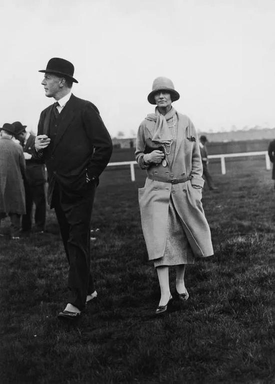 Gabrielle  Chanel女士在杜维埃