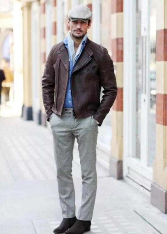 大卫甘迪示范高帮鞋搭配西裤(图片来源:东方IC)