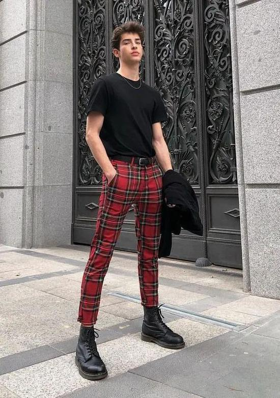 吴亦凡李汶翰黑T恤搭配指南 让你酷帅整个夏天