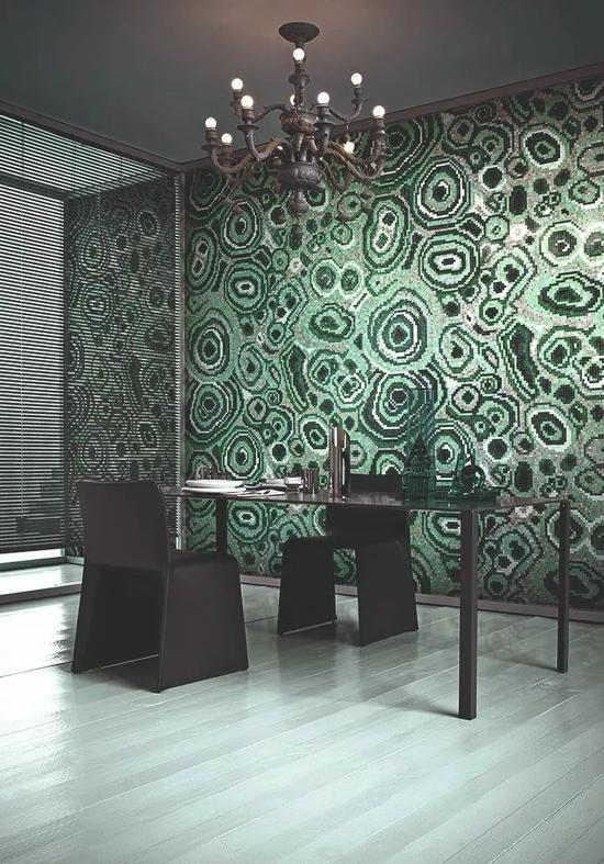 设计师 Greg Natale 为 Bisazza设计的 New Malachite Green 图案