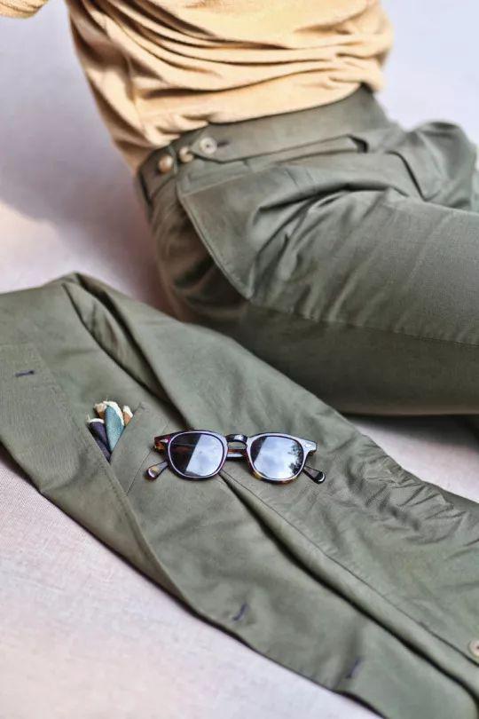 军绿系棉质西装