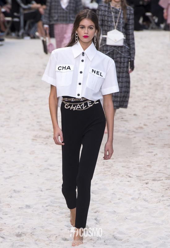 Kaia Gerber演绎Chanel 2019春夏系列