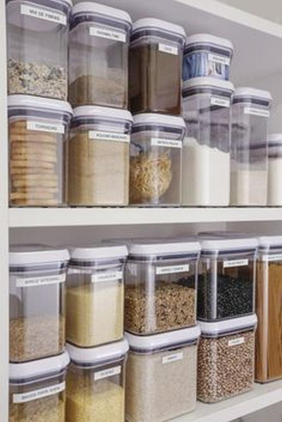 吊柜适合放一些材质轻的物品 图片源自www.vamosreceber.com.br
