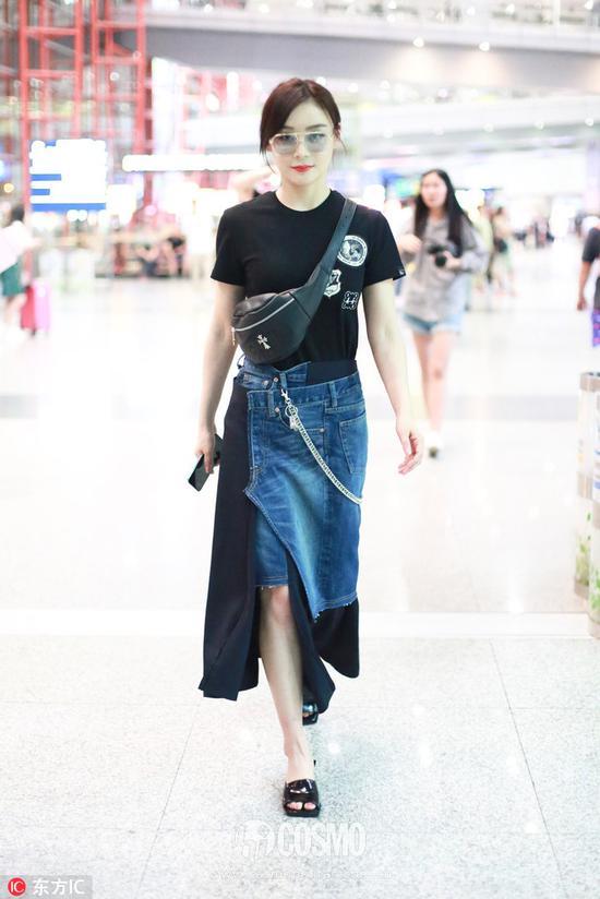 两个月不见的刘亦菲穿上牛仔裙更美了枕边极恶大亨