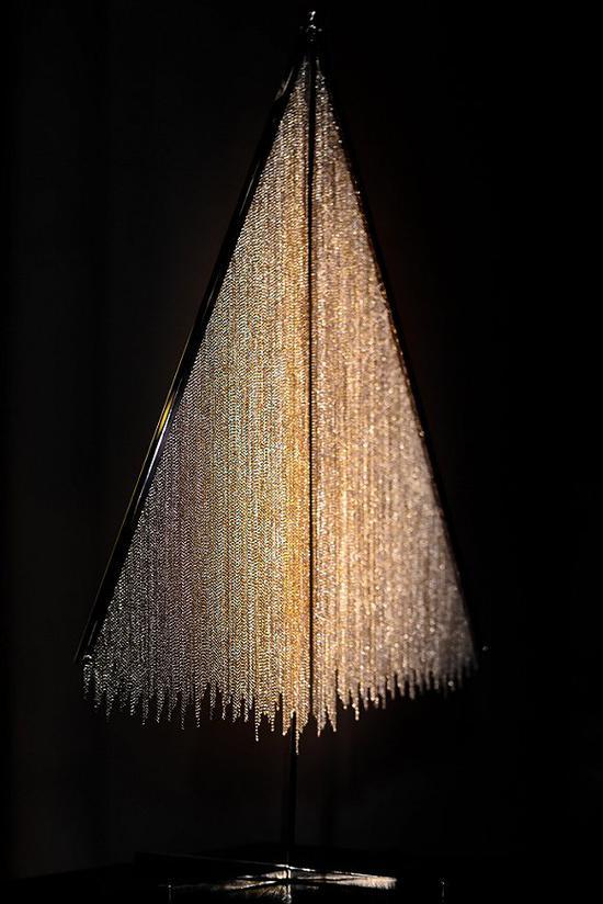 2015年的Nina  Ricci圣诞树 图片来源:WWD