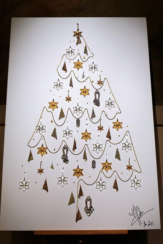 2015年的施华洛世奇圣诞树 图片来源:WWD