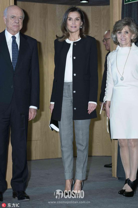 西班牙王后莱蒂齐亚出席西班牙对外银行Integra大奖颁奖礼