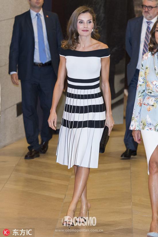 裙子:Carolina Herrera