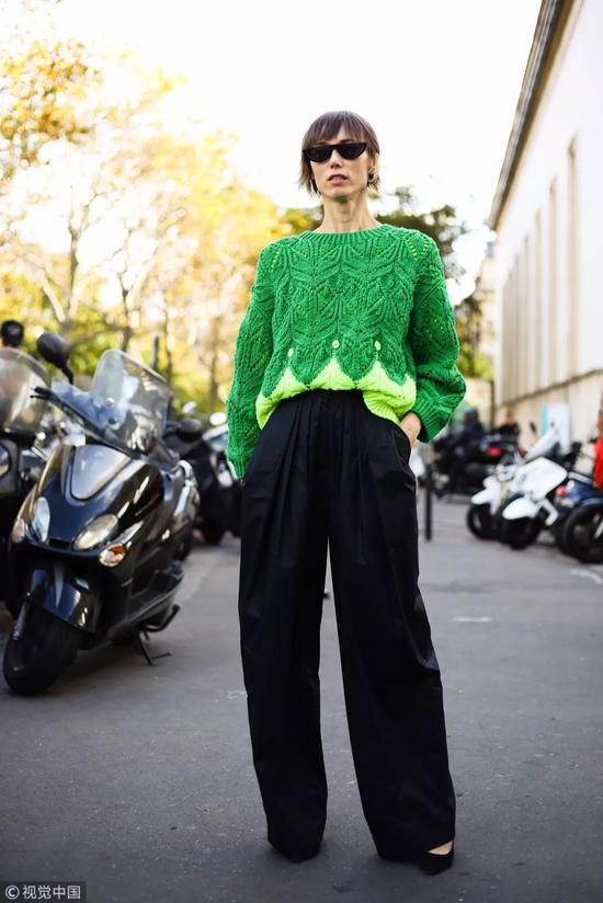 针织衫×条纹裤拖地裤