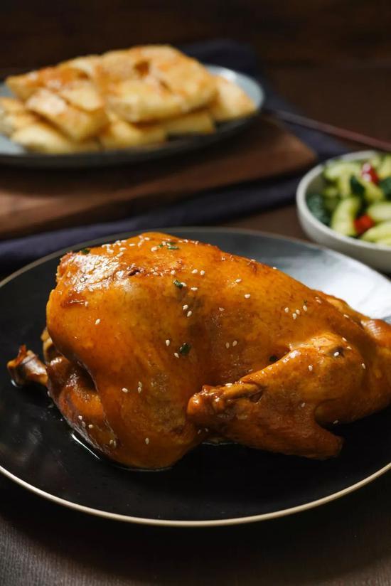 葡京官方网站:不加一滴水的电饭煲懒人焖鸡 原来美味这么简单