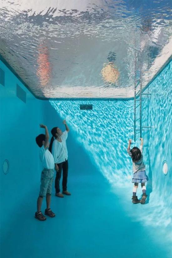 6个怪诞游泳池 刷新你对水的想象