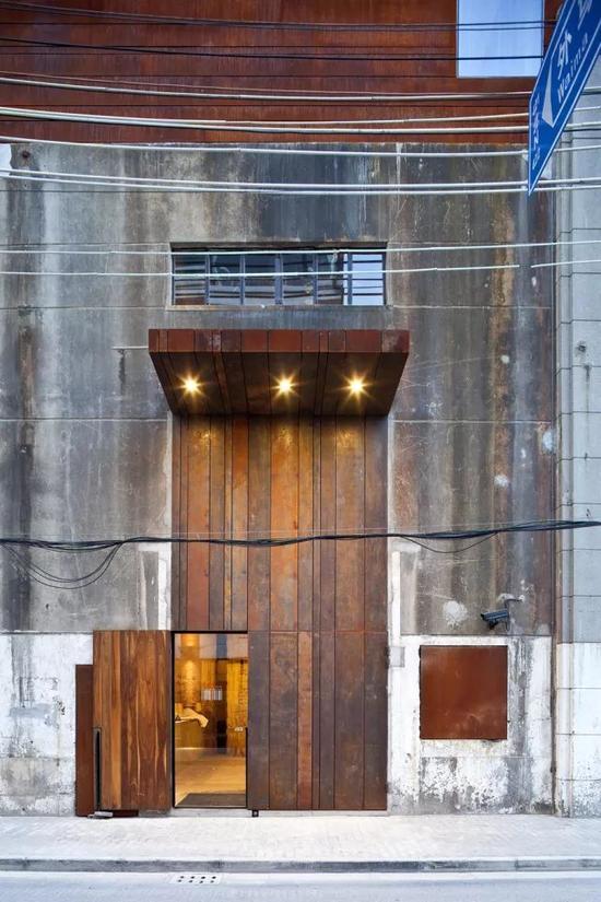 水舍精品酒店的入口。