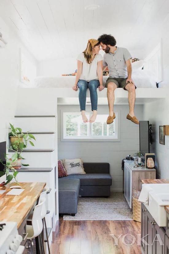楼梯可以做成中空的储物空间 图片来自home-designing.com