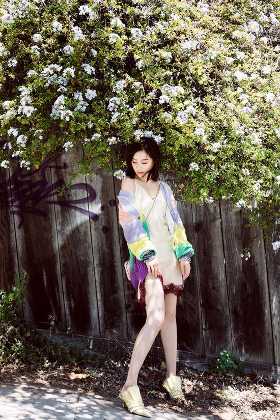 倪妮袁姗姗都爱穿 吊带裙就是有这种时尚魔力
