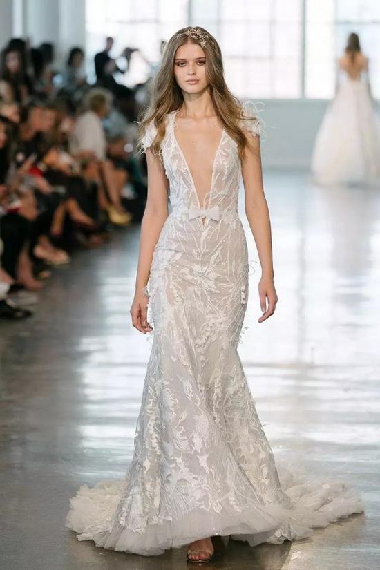 为什么白色婚纱会拥有如此至高无上的地位?