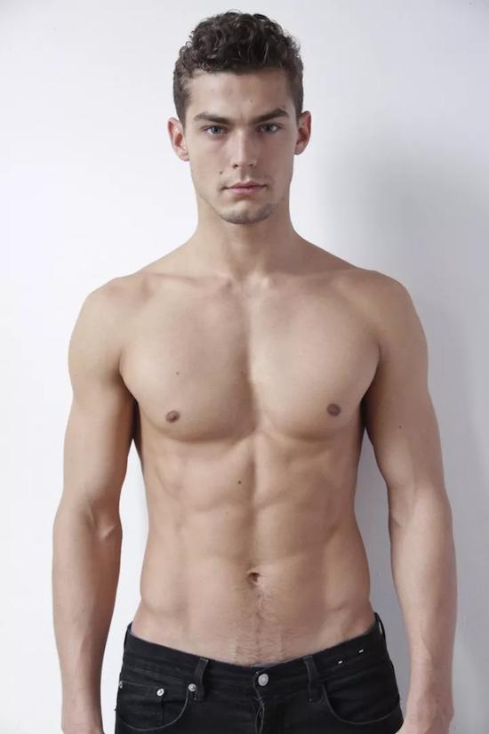 Jacob Hankin | 從搬磚苦力男孩到炙手可熱男模