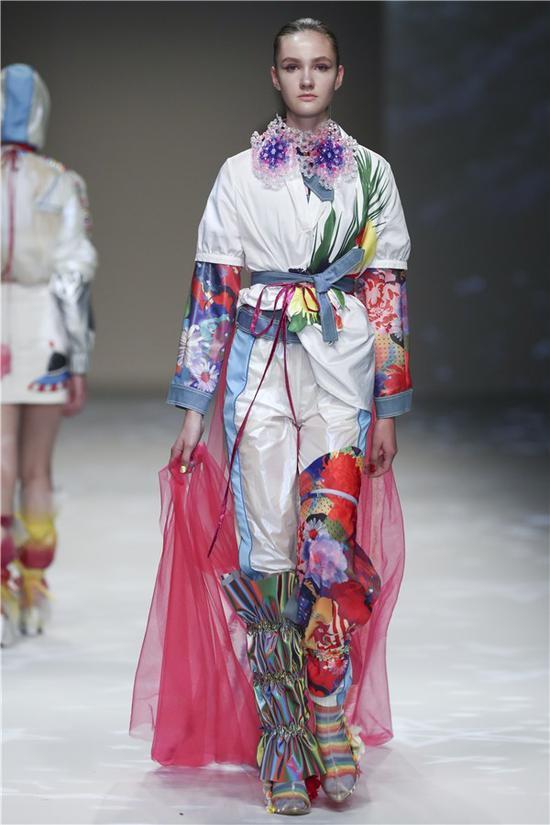 纽约设计师品牌Leaf xia惊艳亮相上海时装周