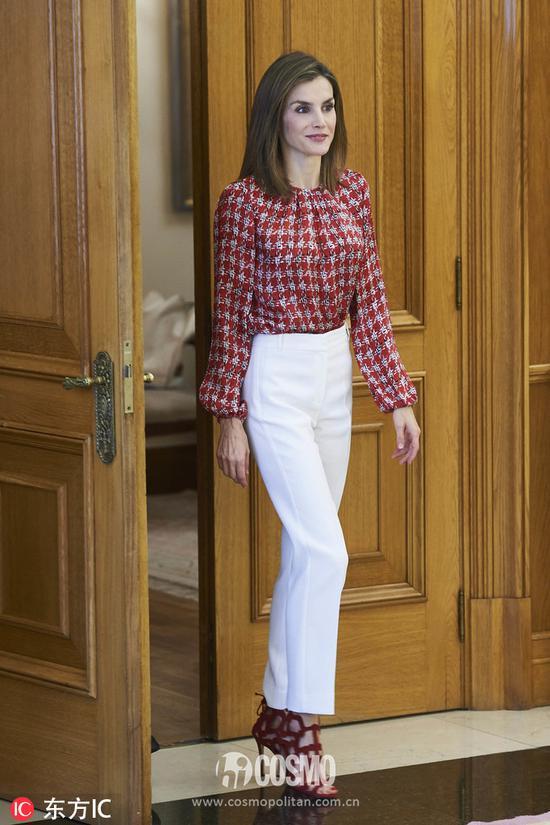 西班牙莱蒂齐亚王妃在萨苏埃拉宫出席西班牙癌症协会举办的活动