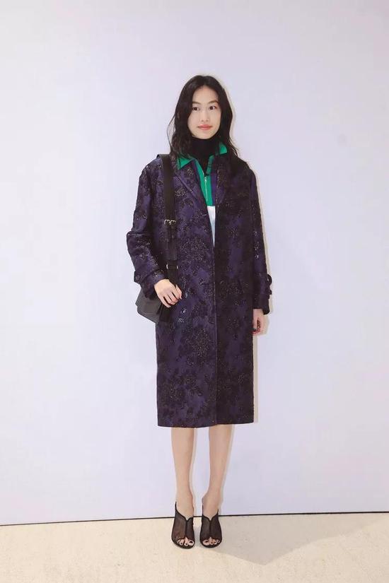 产后正式复出的秦舒培仍是时尚圈备受期待的超模。图片来源:视觉中国