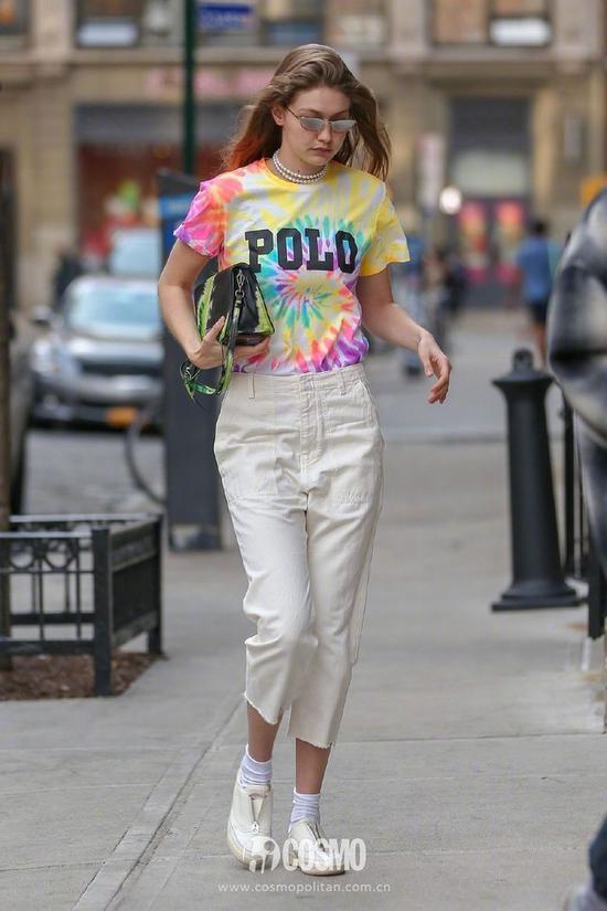 Gigi Hadid身穿Polo Ralph Lauren