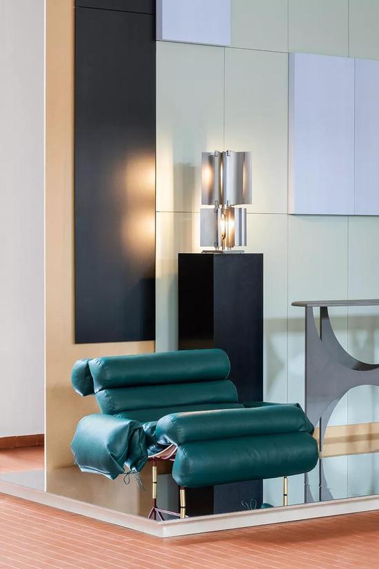 作品:Paesaggio座椅,设计:Hannes Peer