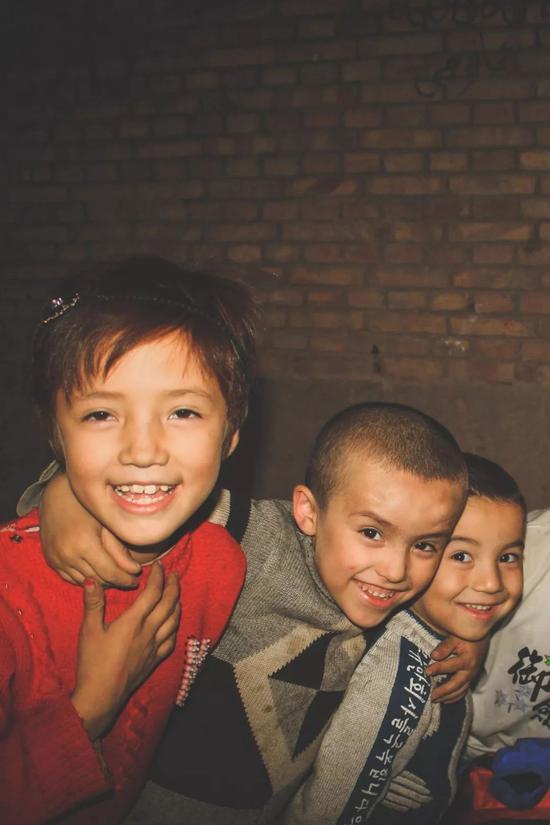▲摄于喀什,孩子们的笑容里还是人性初生的光辉