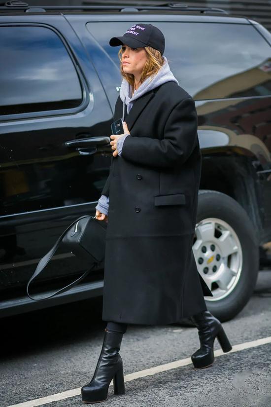 冬天的万能内搭 其实是帽衫