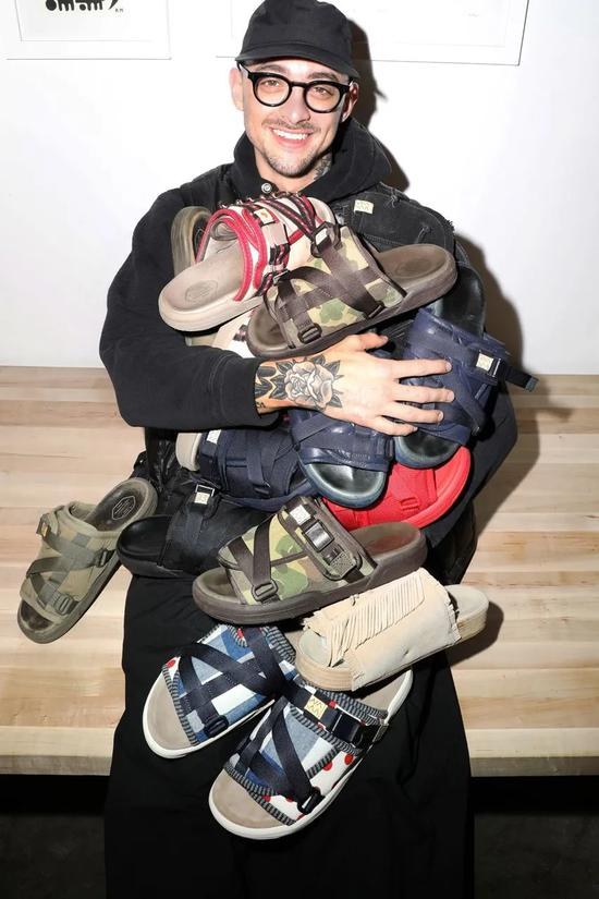 visvimChristo拖鞋如何陪伴及影響MikeCherman的事業歷程?
