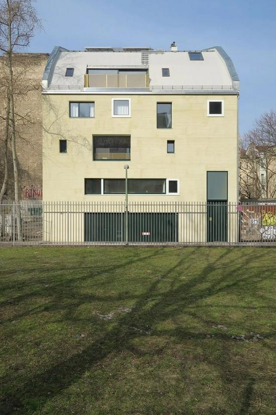 柏林艺术家的家 感性的野兽派与极简主义的混搭