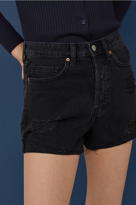 短裤:HM ¥100