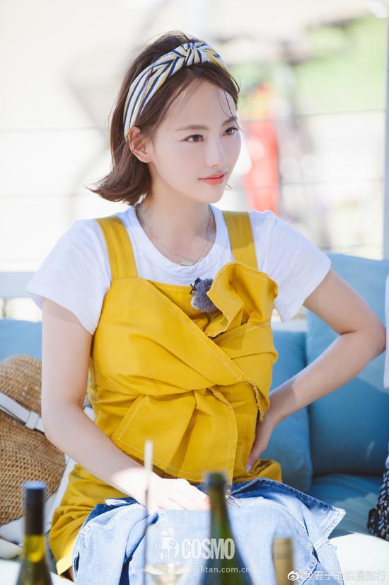再日常一些,外搭雪纺纱吊带背心,温柔的美少女COCO最爱了。