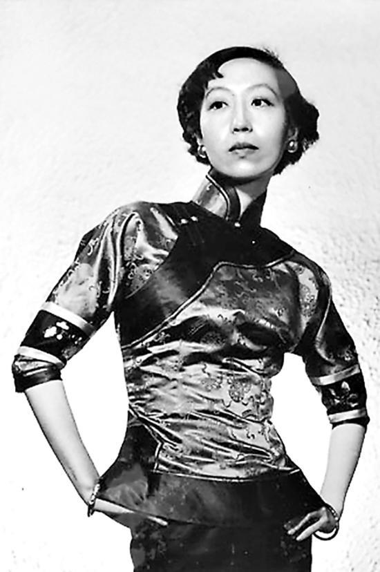 张爱玲与两位诗人:1945年缘何改变发型