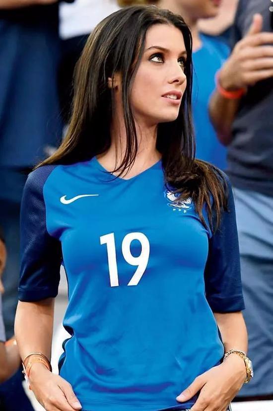 世界杯美女球迷照