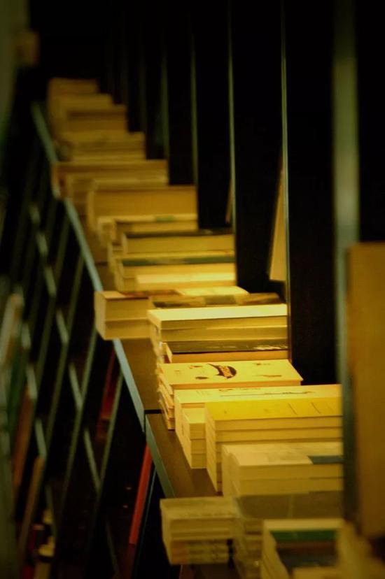 一本书一家店 人人都愿意这样耗上一整天