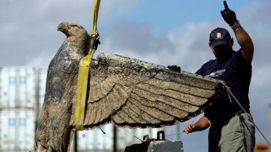 纳粹雕塑老鹰被拍卖