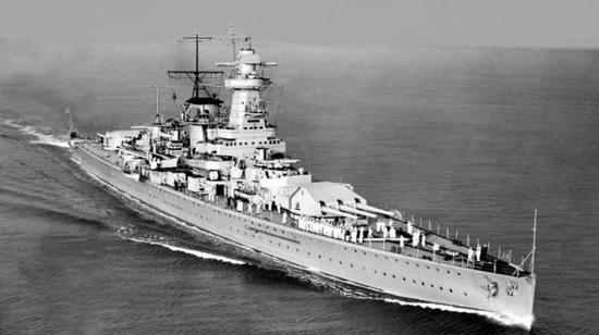 """资料图片:纳粹德国海军""""施佩伯爵海军上将""""号袖珍战列舰(德国《图片报》网站)"""