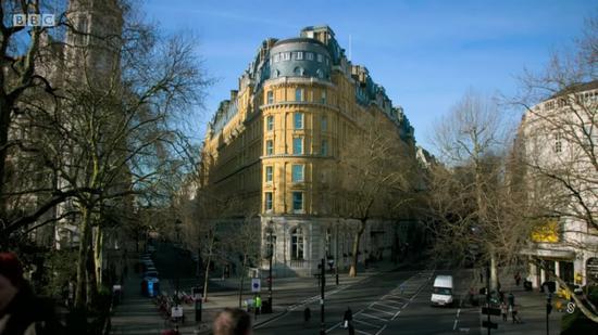 """""""伦敦满地好酒店,您为何第一个提起了Corinthia?"""""""