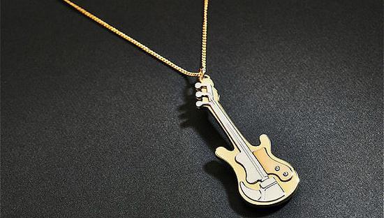Prada高级珠宝系列(图片来源:fashionnetwork)