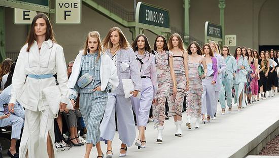 CHANEL  2020度假系列 图片来源:Westmount  Fashionista
