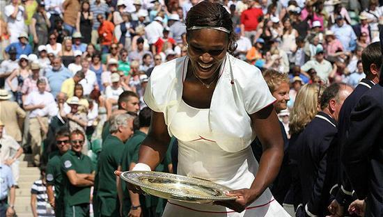 从运动场到奢侈品店,白色的网球装通吃两界网球运动奢侈品