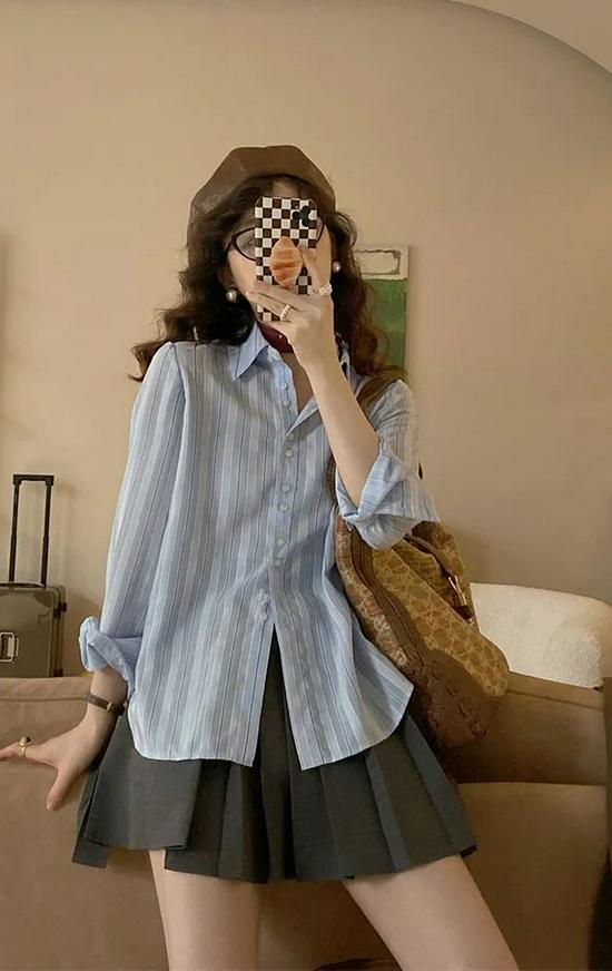 衬衫+半身裙=早秋万能穿搭!